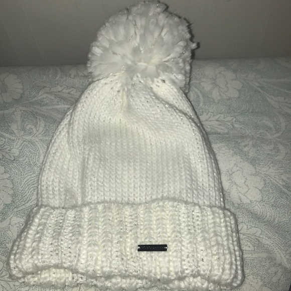 713303b56 BCBG knit pom beanie